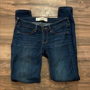 Hollister Skinny Jeans! EUC!